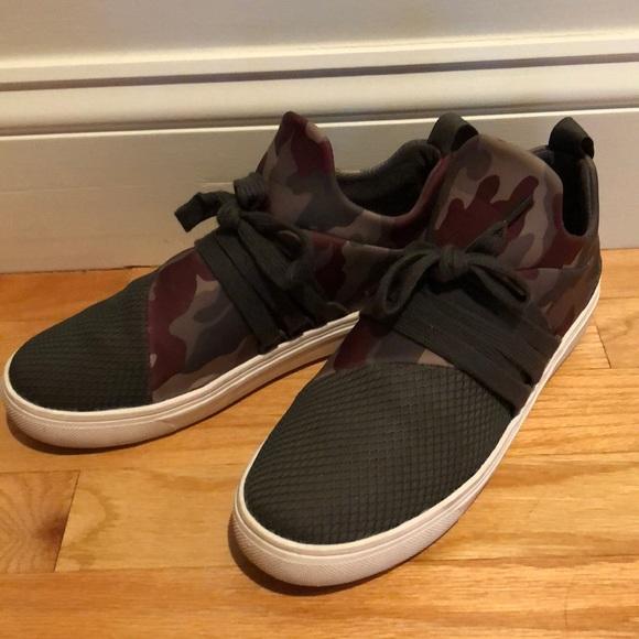 2d263d15521 Steve Madden sneakers. M 5b453c23a5d7c693e495f7e2